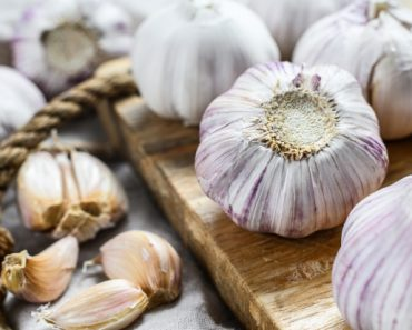 How Garlic Can Cure These 15 Health Conditions