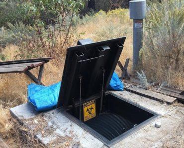 "SECRET Modern Bunker Loaded Up With Supplies For Doomsday – ""30 Day Bunker Challenge"""
