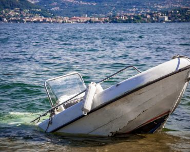 How to Survive a Boating Accident
