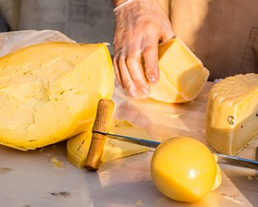 How to make butter, sour cream, and farmer's cheese